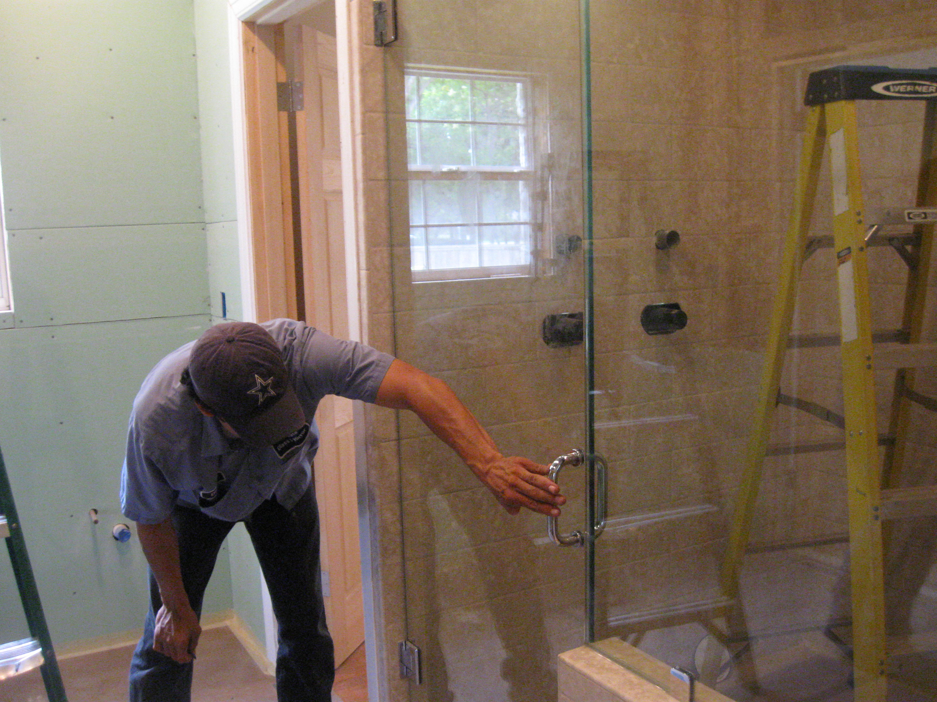 Shower Doors and Enclosures – Accurate Glass and Mirror